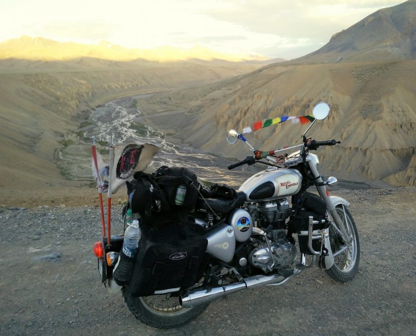 Bike ride in night from Leh to Sarchu
